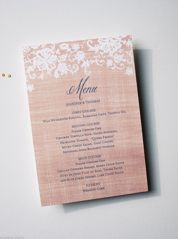 Burlap lace wedding menu | www.mospensstudio.com