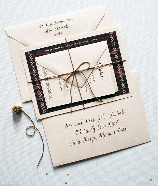Elegant barn wedding stationery | www.mospensstudio.com